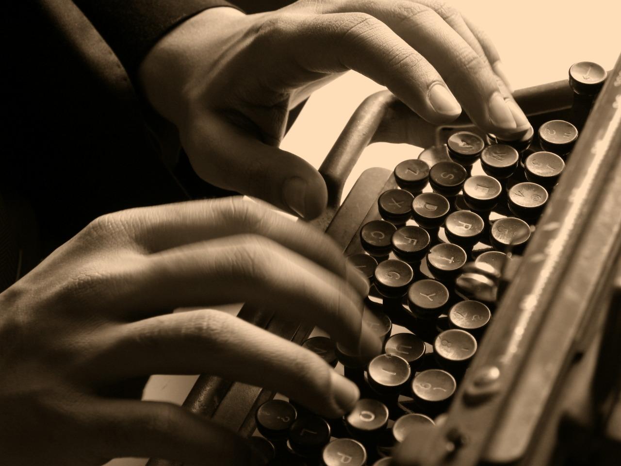 handstypewriter